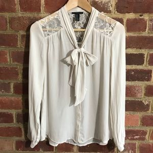 Forever 21 Button Down White Blouse Size M